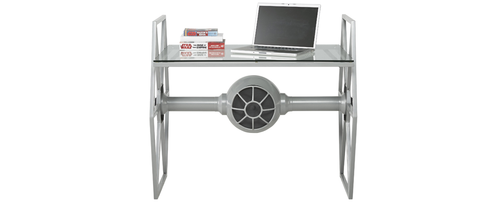 tie fighter bureau voor de grootste star wars fans computer idee. Black Bedroom Furniture Sets. Home Design Ideas