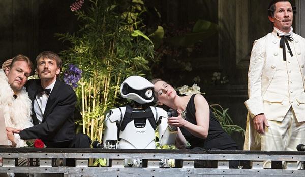 Robot steelt show in eigen operavoorstelling