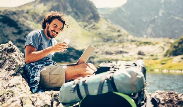 Beveilig je smartphone en tablet op vakantie
