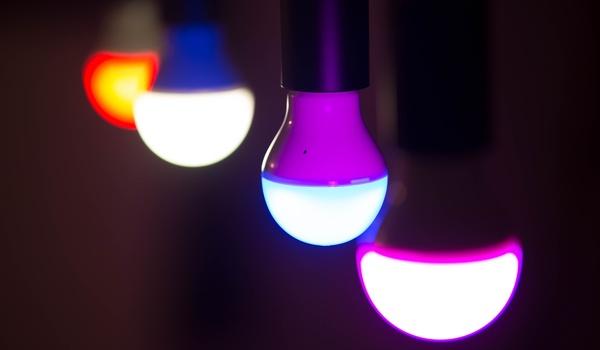 Slimme Heelight-lamp knippert in de maat