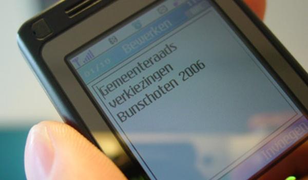 Bunschoten geeft verkiezings-uitslagen door per sms