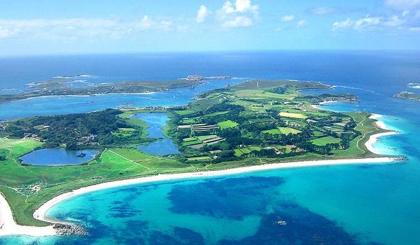 Britse provider trekt onderzee-glasvezelkabel naar Scilly-eilanden