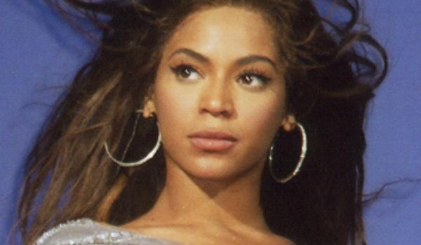 Zangeres Beyoncé breekt records met nieuwste iTunes-album