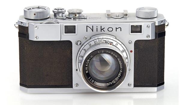 Oudste Nikon-camera ter wereld onder de hamer