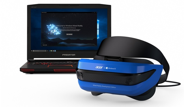 Microsoft toont mixed reality-bril voor Windows 10