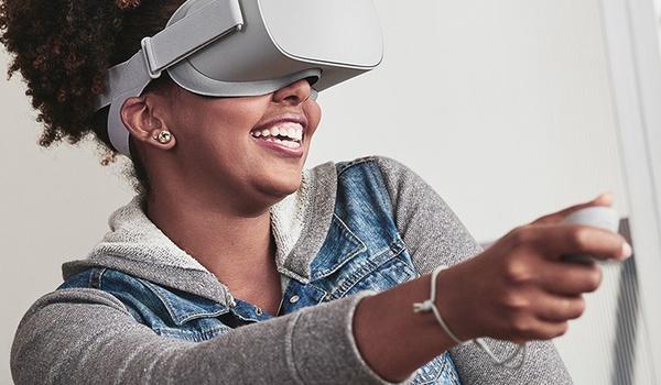 Oculus stelt vr-brillen beschikbaar voor scholen en musea