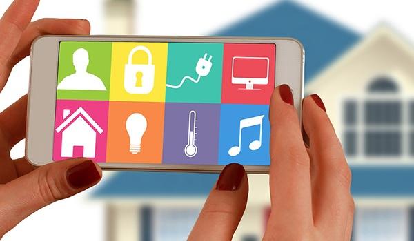 Bedrijven werken samen om smart home aan de man te brengen