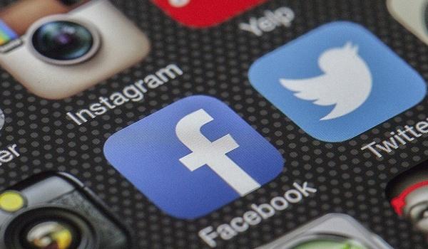 Twitter verbiedt politieke advertenties, Facebook niet