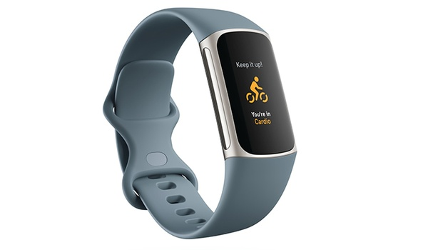 Fitbit Charge 5 heeft kleurenscherm dat altijd aan staat