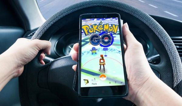 Onderzoekers: Pokémon Go-spelers gevaar op de weg