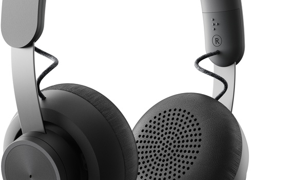 Review: Logitech Zone Wired