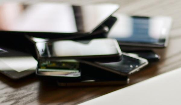'Voor het eerst daling in smartphone-verkoop'