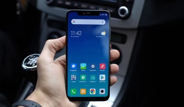 De vijf beste gratis apps voor in de auto