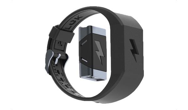 Shock Clock-armband wekt je met stroomstoten