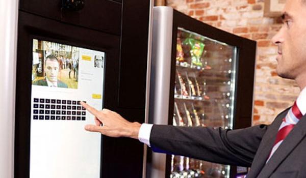Deze verkoopautomaat heeft gezichtsherkenning