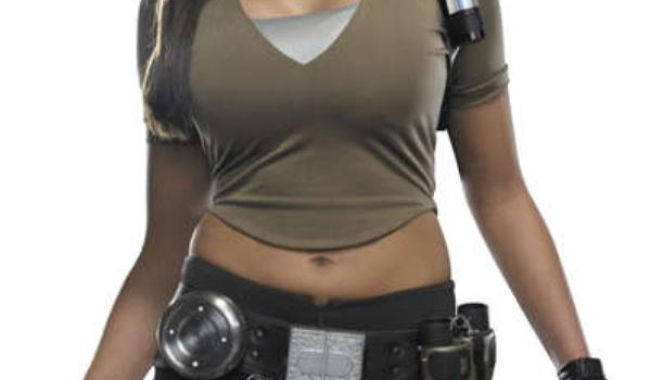 Van winkelmeisje tot de nieuwe Lara Croft