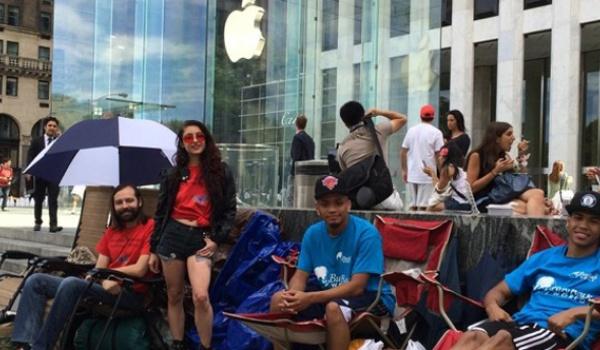 Amerikanen al in de rij voor iPhone 6
