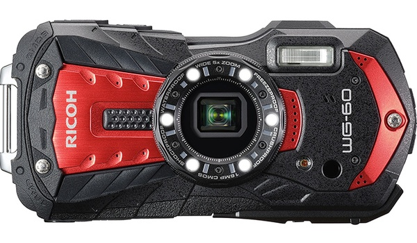 Neem een frisse duik met de Ricoh WG-60-camera