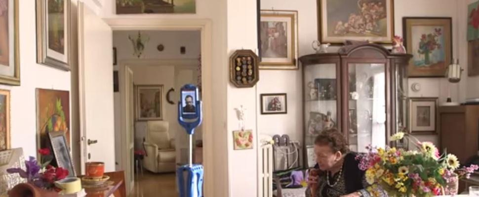 'Skype op wielen'-robot moet ouderen langer zelfredzaam maken