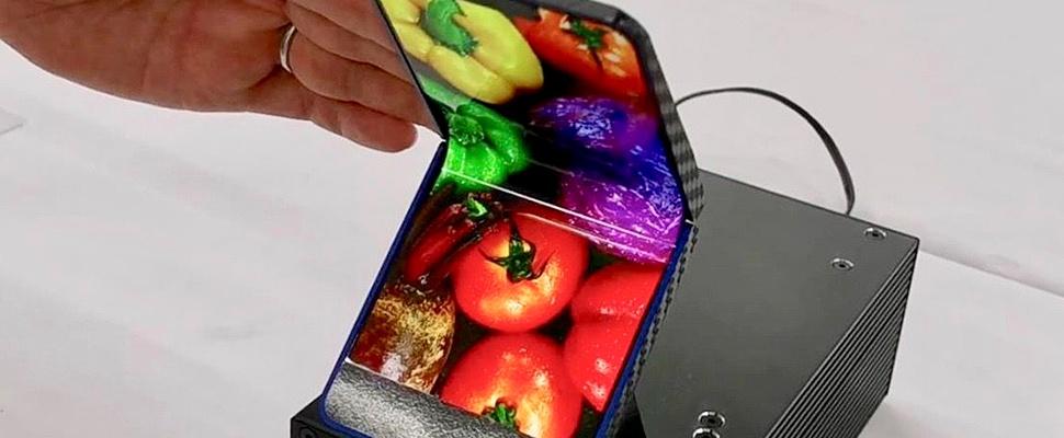 Sharp toont vouwbare smartphone met een twist
