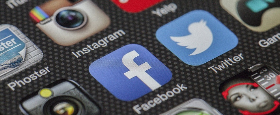 Twitter verbiedt politieke advertenties, Facebook niet
