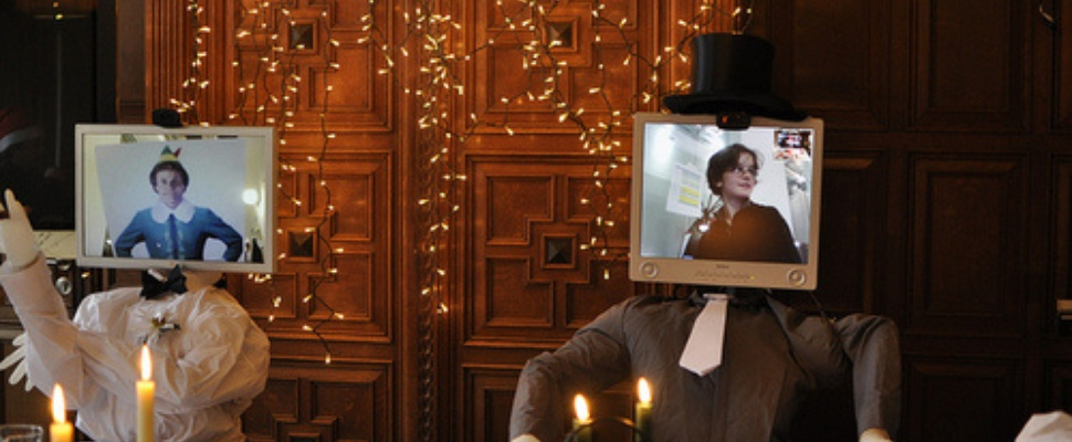 Als robot aanschuiven aan het kerstdiner